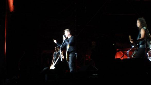 James reiniciando el concierto