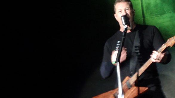 James frente a la audiencia