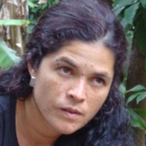Lucía Escobar aka @liberalucha